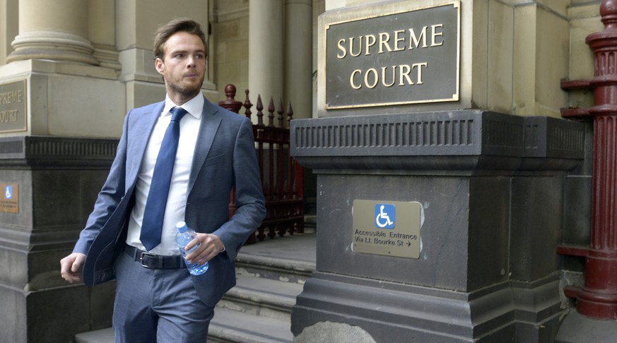 epa04654431 Dutch Formula One driver Giedo Van Der Garde leaves the Melbourne Supreme Court during his case against Sauber MotorSport in Melbourne, Australia, 09 March 2015. Van Der Garde wants Sauber to refrain from any action that would deprive him from driving in the F1 season starting Australian Grand Prix on 15 March 2015. Van der Garde claims to have a valid contract making him one of two Sauber F1 team nominated drivers for this season, whilst financially struggling Sauber wants to use Brazilian Felipe Nasr, backed by a Brazilian bank, and Swedish Marcus Ericsson.  EPA/TRACEY NEARMY AUSTRALIA AND NEW ZEALAND OUT
