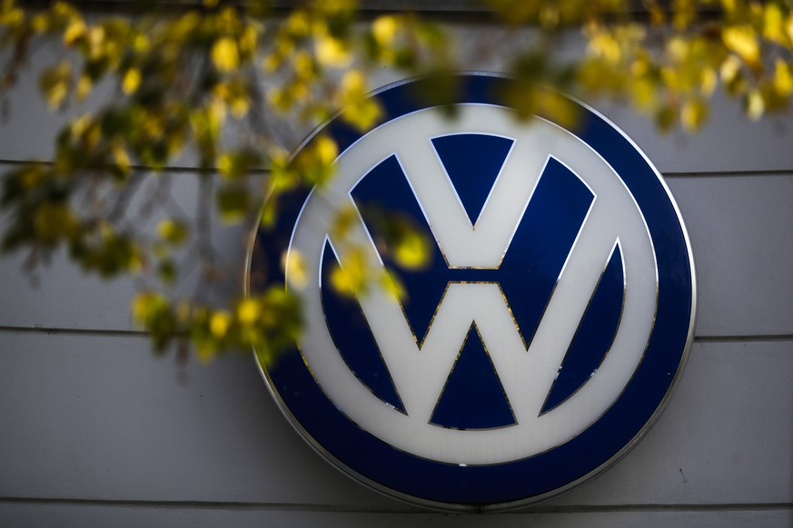 In this Oct. 5, 2015 file photo the VW sign of Germany's car company Volkswagen is displayed at the building of a company's retailer in, Berlin, Germany. Germany's motor transport agency is ordering a mandatory recall of Volkswagen cars sold with software that enabled them to evade diesel emissions testing, as it was announced Thursday, Oct. 15, 2015. (AP Photo/Markus Schreiber, file)