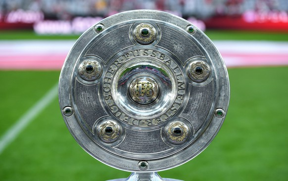 epa05511321 German Bundesliga Championship trophy on display prior to the German Bundesliga season opener match Bayern Munich vs Werder Bremen in Munich, Germany, 26 August 2016.(EMBARGO CONDITIONS - ATTENTION - Due to the accreditation guidelines, the DFL only permits the publication and utilisation of up to 15 pictures per match on the internet and in online media during the match)  EPA/SVEN HOPPE