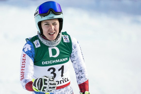 epa05780308 Wendy Holdener of Switzerland reacts in the finish area during the women's Downhill training at the 2017 FIS Alpine Skiing World Championships in St. Moritz, Switzerland, 09 February 2017.  EPA/ALEXANDRA WEY