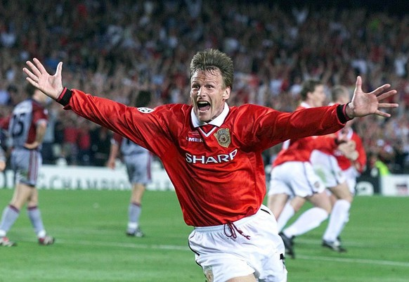 Manchester United striker Teddy Sheringham celebrates after equalising against Bayern Munich in the UEFA Champions League final on Wednesday, May 26, 1999. United went on to win the game 2-1. (KEYSTONE/AP Photo/PA/Phil Noble)         === ELECTRONIC IMAGE. UK OUT. . NO MAGAZINES ===
