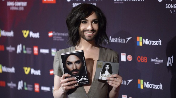 epa04760125 Austrian singer and Eurovision 2014 winner Conchita Wurst poses at a photocall of the 60th annual Eurovision Song Contest (ESC) at the Wiener Stadthalle in Vienna, Austria, 21 May 2015. The Second Semi-Final takes place on 21 May and the grand final is held on 23 May.  EPA/ROBERT JAEGER
