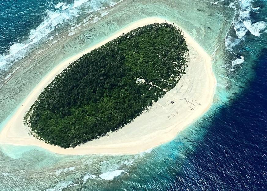 SOS-Zeichen im Sand rettet Seglern das Leben - Panorama