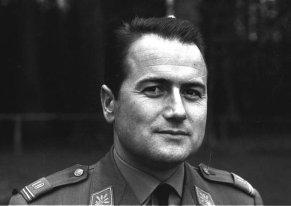 Joseph Blatter, aufgenommen im Jahre 1966: Der Walliser mit Jahrgang 1936 studierte an der Universität in Lausanne Volkswirtschaft und schloss 1958 mit Diplom ab.