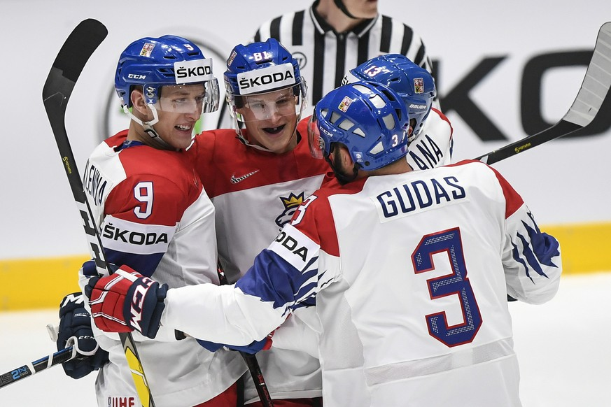 epa07561542 Jakub Vrana of Czech Republic (C) celebrates with teammates after scoring during the IIHF World Championship group B ice hockey match between Czech Republic and Sweden at the Ondrej Nepela Arena in Bratislava, Slovakia, 10 May 2019.  EPA/CHRISTIAN BRUNA