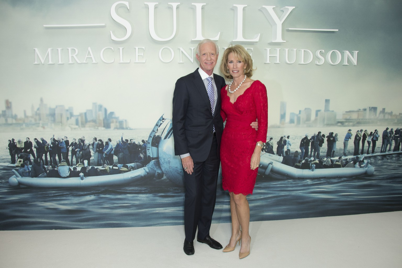 Retired airline pilot Captain Chesley Sullenberger and wife Lorraine Sullenberger, pose for photographers upon arrival at a special screening of the film 'Sully- Miracle on the Hudson' in London, Thursday, Nov. 17, 2016. (Photo by Joel Ryan/Invision/AP)