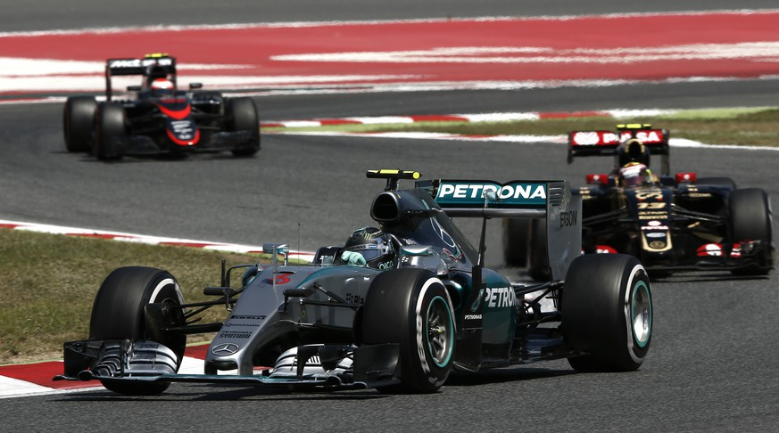 Mercedes driver German's Nico Rosberg steers his car as he leads the race during the Spanish Formula One Grand Prix at the Barcelona Catalunya racetrack in Montmelo, just outside Barcelona, Spain, Sunday, May 10, 2015. (AP Photo/Andres Kudacki)