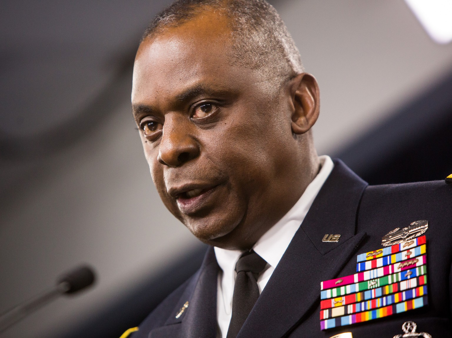 WASHINGTON, DC - OCTOBER 17:  Commander of U.S. Central Command, Gen. Lloyd Austin II, holds a media briefing on Operation Inherent Resolve, the international military effort against ISIS on October 17, 2014 at the Pentagon in Washington, D.C.  The general expressed concern that the Syrian city of Kobani could fall to ISIS militants.  (Photo by Allison Shelley/Getty Images)