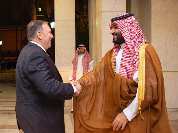 epa07851504 A handout photo made available by the Saudi Royal Court shows Saudi Crown Prince Mohammad bin Salman receiving US Secretary of State Mike Pompeo, Jeddah, Saudi Arabia, 18 September 2019. Pompeo is in Saudi Arabia to discuss the recent drone attack that blocked almost half of the Saudi oil production on 14 September 2019.  EPA/BANDAR ALJALOUD / SAUDI ROYAL COURT HANDOUT  HANDOUT EDITORIAL USE ONLY/NO SALES