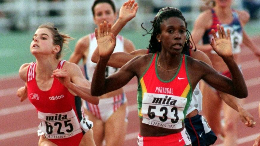 «Gring ache u seckle» – Anita Weyermann rempelt sich zu WM-Bronze über 1500m