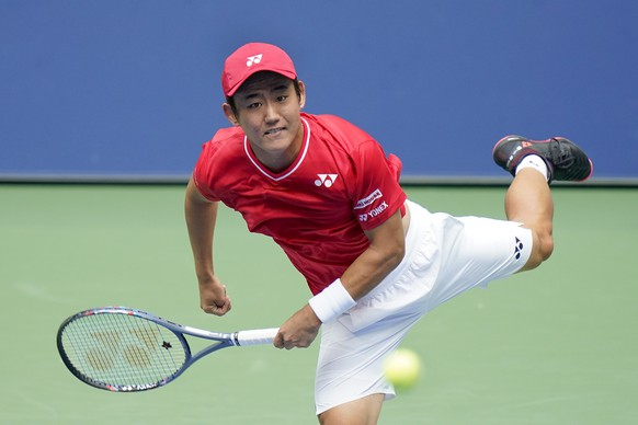 Yoshihito Nishioka, of Japan, serves to Andy Murray, fo Great Britain, during the first round of the US Open tennis championships, Tuesday, Sept. 1, 2020, in New York. (AP Photo/Seth Wenig)