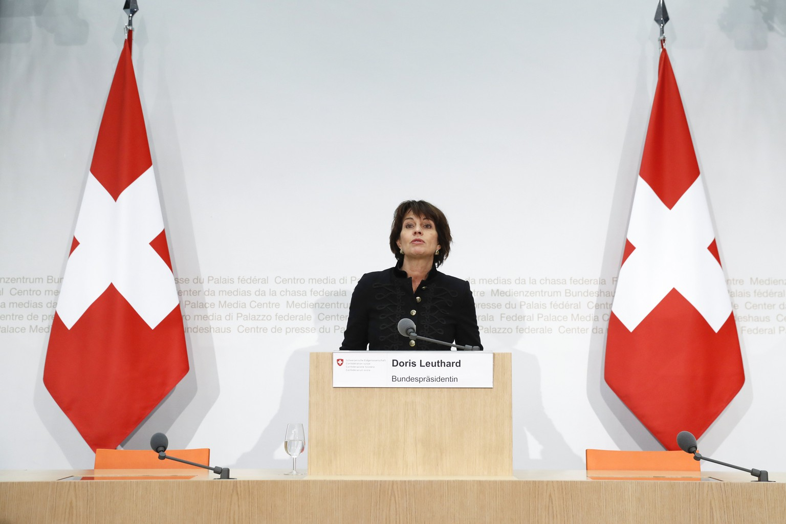 epa06401507 Swiss Federal President Doris Leuthard speaks during a press conference in Bern, Switzerland, 21 December 2017. The European Commission approved the recognition of equivalence for the Swiss Stock Exchange, but only for one year. In response, the Swiss Federal Council is considerig the abolition of the stamp tax in order to strengthen the Swiss stock market.  EPA/PETER KLAUNZER