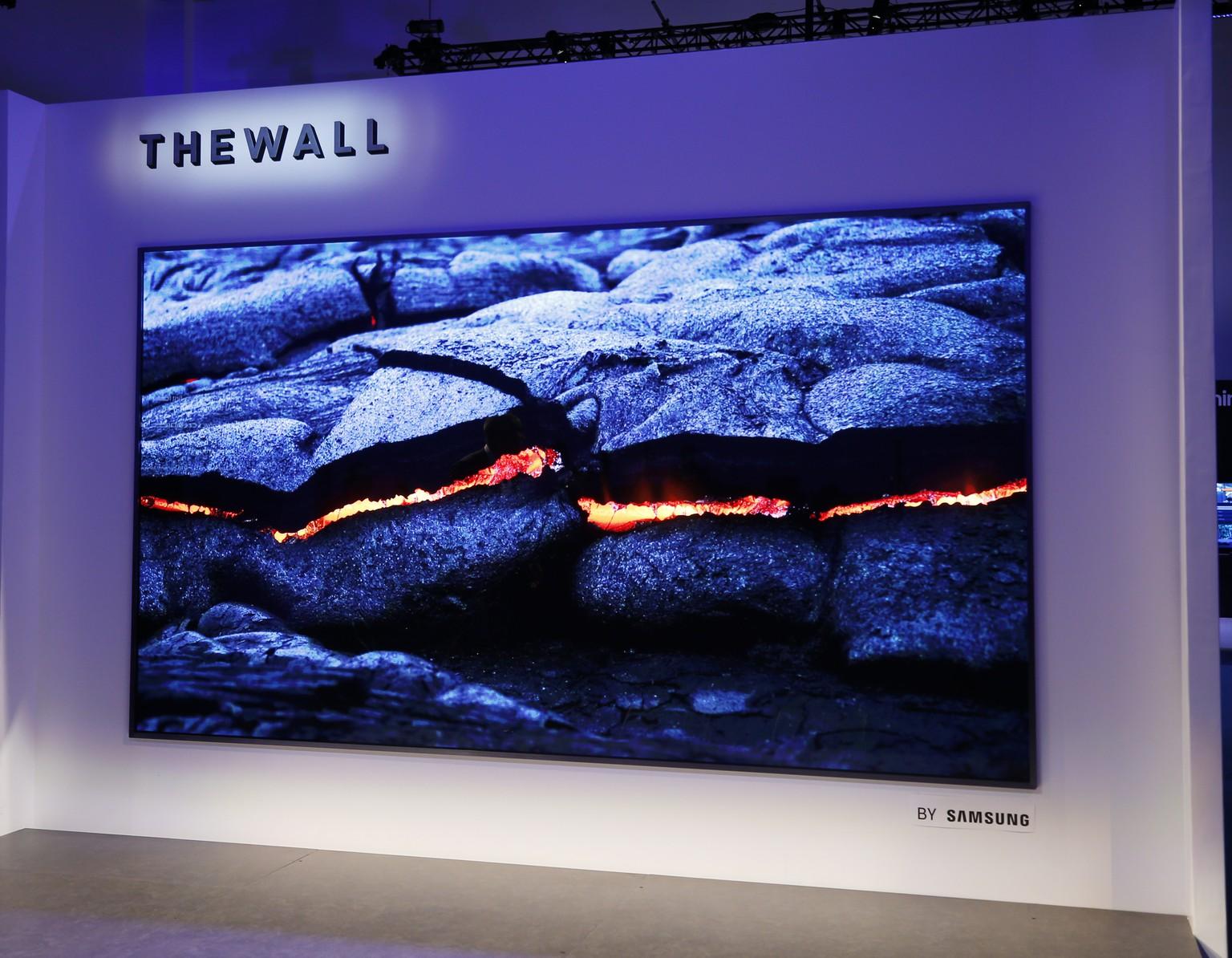 Spiegel Tv Samsung : Samsung fernseher the wall so wird deine wohnzimmerwand zum