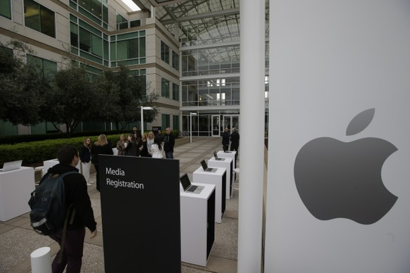 The exterior of Apple headquarters is seen before an event to announce new products at the company's headquarters Monday, March 21, 2016, in Cupertino, Calif. (AP Photo/Marcio Jose Sanchez)