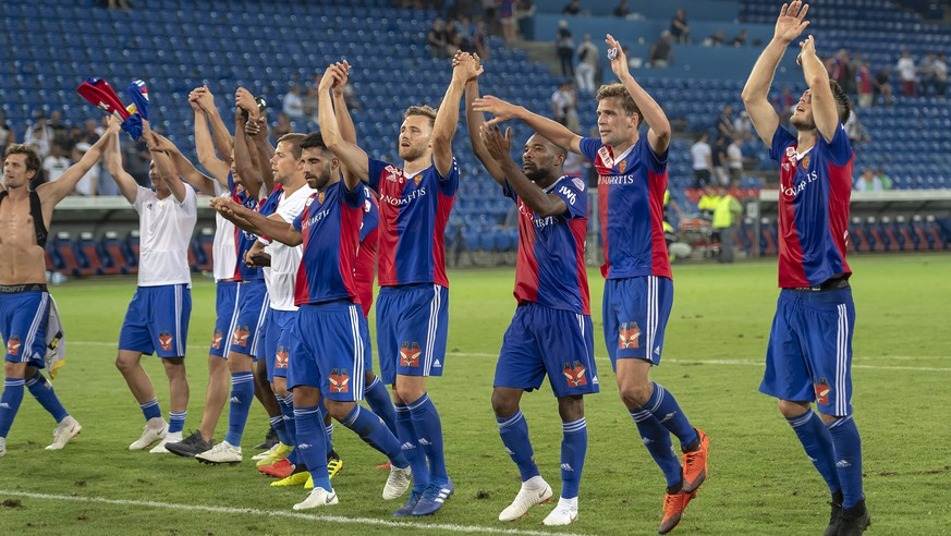 Basel's players cheer after the UEFA Europa League third qualifying round second leg match between Switzerland's FC Basel 1893 and Netherland's Vitesse in the St. Jakob-Park stadium in Basel, Switzerland, on Thursday, August 16, 2018. (KEYSTONE/Georgios Kefalas)