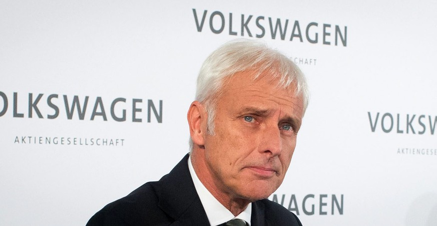 epa04949250 Matthias Mueller, new chief executive of Volkswagen AG, attends a press conference at the VW factory in in Wolfsburg, Germany, 25 September 2015. Volkswagen on 25 September 2015 named Mueller as the successor of Winterkorn as Volkswagen group chairman. Winterkorn on 23 September resigned as chairman of the board after a crisis meeting, as Europe's biggest carmaker struggles to respond to a deepening emissions testing scandal.  EPA/OLE SPATA