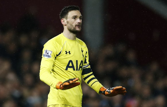 Football Soccer - West Ham United v Tottenham Hotspur - Barclays Premier League - Upton Park - 2/3/16Tottenham's Hugo Lloris gesturesAction Images via Reuters / Andrew CouldridgeLivepicEDITORIAL USE ONLY. No use with unauthorized audio, video, data, fixture lists, club/league logos or