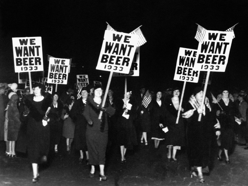 demo gegen prohibition we want beer bier alkohol (AP Photo)