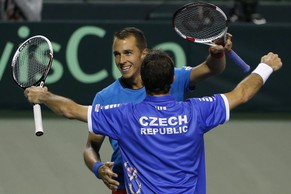 epa04155069 Lukas Rosol (L) and Radek Stepanek (R) of the Czech Republic celebrate after defeating Tatsuma Ito and Yasutaka Uchiyama of Japan, during the Day Two's doubles match of the Davis Cup World Group quarter-final match between Japan and the Czech Republic in Tokyo, Japan, 05 April 2014. The Czech Republic secured a spot in the World Group semi-final round after winning the quarter-final match against Japan as they bid for a third straight title.  EPA/KIYOSHI OTA