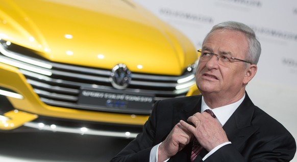 epa07508051 (FILE) - Former CEO of German car manufacturer Volkswagen (VW), Martin Winterkorn, fixes his tie prior to the start of the balance press conference in Berlin, Germany, 12 March 2015 (reissued 15 April 2019). According to reports, former Volkswagen CEO Martin Winterkorn has been chared with alleged serious fraud in connection with the Diesel emissions scandal in Germany.  EPA/JOCHEN LUEBKE  GERMANY OUT *** Local Caption *** 54307157
