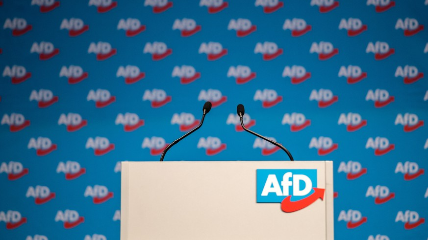 epa07282311 The lectern with the logo of Alternative for Germany (AfD) party during the European election convention (Europawahlversammlung) of the AfD in Riesa, Germany, 14 January 2019. The AfD gathers from 11 to 14 January 2019 in Riesa, for the election of their candidates for the European Parliament election which will take place from 23 to 26 May 2019.  EPA/JENS SCHLUETER