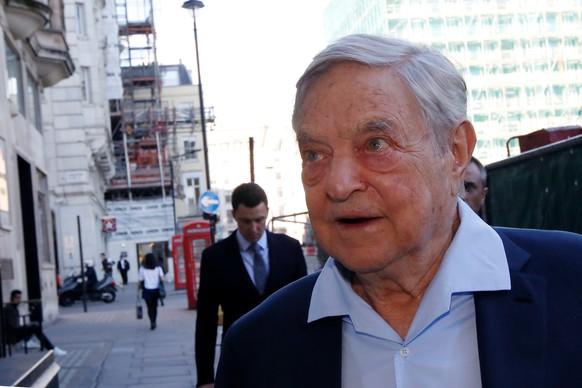 Business magnate George Soros arrives to speak at the Open Russia Club in London, Britain June 20, 2016. REUTERS/Luke MacGregor