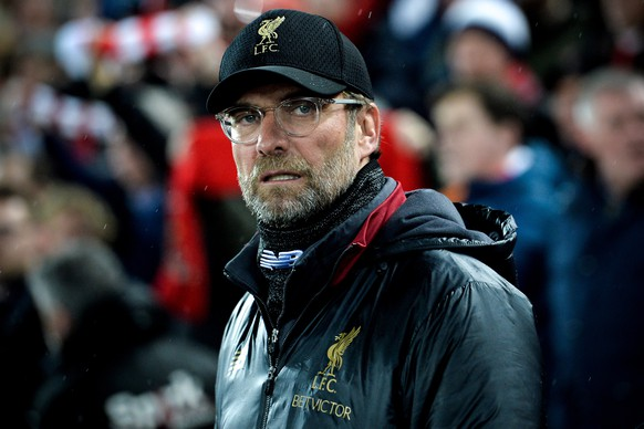 epa07381652 Liverpool's head coach Juergen Klopp looks on prior to the UEFA Champions League round of 16 first leg soccer match between Liverpool FC and FC Bayern Muenchen at the Anfield in Liverpool, Britain, 19 February 2019.  EPA/PETER POWELL