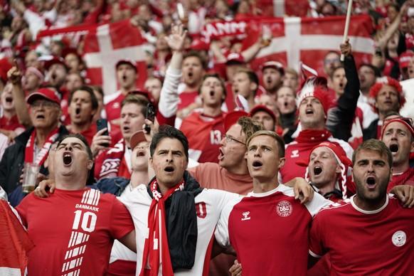 epa09291604 Danish fans prior the UEFA EURO 2020 group B preliminary round soccer match between Russia and Denmark in Copenhagen, Denmark, 21 June 2021.  EPA/Mads Claus Rasmussen  DENMARK OUT