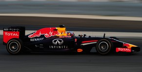BAHRAIN, BAHRAIN - FEBRUARY 27:  Daniel Ricciardo of Australia and Infiniti Red Bull Racing drives during day one of Formula One Winter Testing at the Bahrain International Circuit on February 27, 2014 in Bahrain, Bahrain.  (Photo by Shaun Botterill/Getty Images)