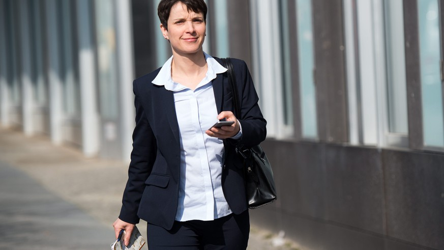 epa05210934 Federal chairwoman of the party Alternative for Germany (AfD), Frauke Petry, arrives for a press conference at the Federal Press Conference building in Berlin, Germany, 14 March 2016. The right-wing populist party Alternative for Germany (AfD) has emerged as the victor in elections held in three federal states where the immigration crisis has taken its toll on the government's coalition, with the new formation winning up to 24 percent of the vote. Germany's Eurosceptic AfD party was founded in 2013 in opposition to the Greek bailout, but has now adopted a populist approach in its condemnation of the immigration crisis.  EPA/BERND VON JUTRCZENKA