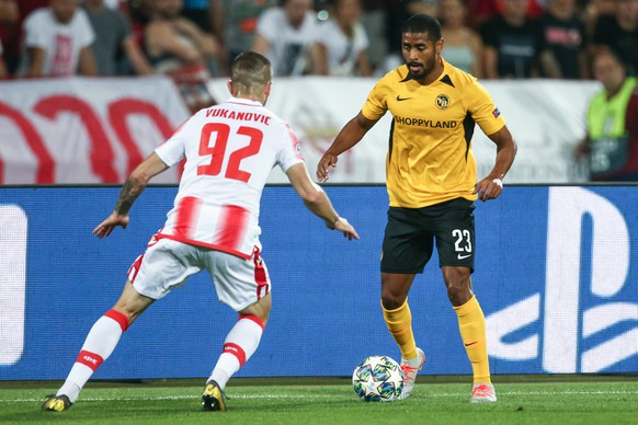 Belgrade's Aleksa Vukanovic, left, vies for the ball against Young Boys' Saidy Janko, right, during the UEFA Champions League playoff match between Serbia's FK Red Star Belgrade and Switzerland's BSC Young Boys, on Tuesday, August 27, 2019, in Belgrade, Serbia. (KEYSTONE/Thomas Hodel)
