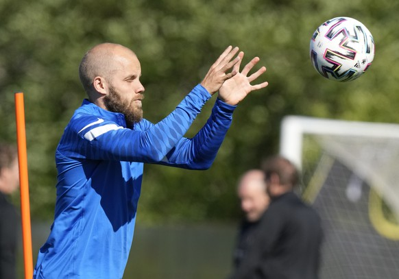 Finland's Teemu Pukki attends a training session on the eve of the Euro 2020 soccer championship group B match between Russia and Finland in Zelenogorsk outside St. Petersburg, Russia, Tuesday, June 15, 2021. (AP Photo/Dmitri Lovetsky) .