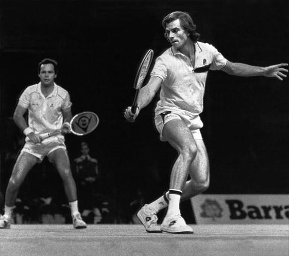 <strong>French Open 1981:</strong> Heinz Günthardt gewinnt im Doppel seinen ersten von zwei Grand-Slam-Titeln. Als Einzelspieler kommt er nicht über 22 der Weltrangliste hinaus, holt aber insgesamt fünf Turniersiege.
