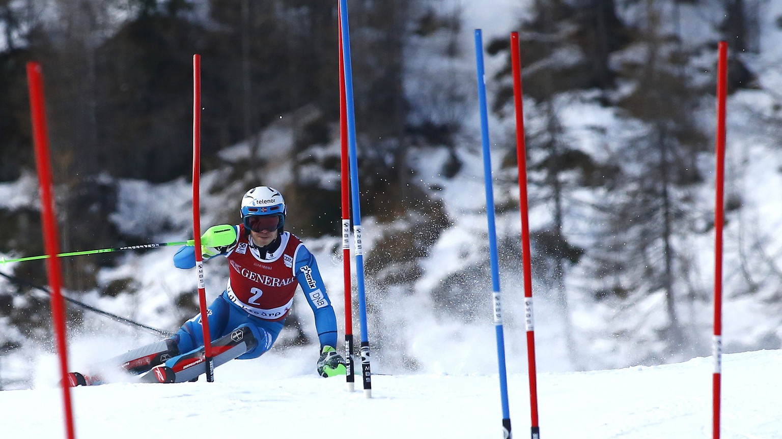 Norway's Henrik Kristoffersen competes during an alpine ski, men's World Cup slalom, in Val d'Isere, France, Sunday, Dec. 11, 2016. (AP Photo/Giovanni Auletta)