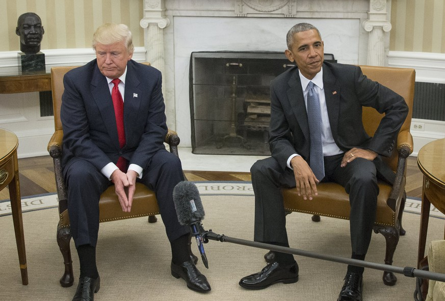 epa05831775 (FILE) - A file picture dated 10 November 2017 shows then US President Barack Obama (R) and President-elect Donald Trump (L) meet in the Oval Office of the White House in Washington, DC, USA. US President Trump on 05 March 2017 demanded from Congress to investigate an alleged wire-tapping of Trump's offices by Obama during his election campaign. Obama's spokesman has dismissed Trump's claims as 'simply false' and Trump not offered any evidence for his claims.  EPA/MICHAEL REYNOLDS *** Local Caption *** 53148417