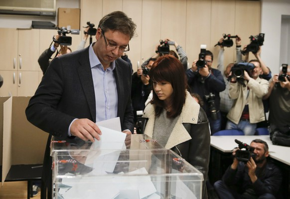 Serbian Prime Minister and leader of the Serbian Progressive Party (SNS) Aleksandar Vucic casts his ballot at a polling station during elections in Belgrade, Serbia April 24, 2016. REUTERS/Marko Djurica