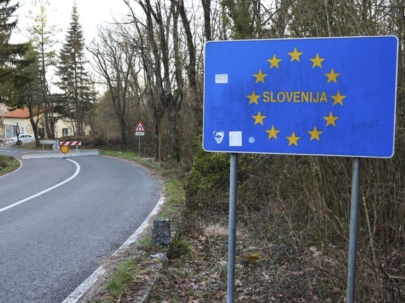epa08423241 (FILE) - A view of the closed border crossing of Monrupino, between Slovenia and Italy, 12 March 2020 (reissued 15 may 2020). The Slovenian government on late 14 May called an end to the coronavirus pandemic within the country. According to media reports, Slovenian Prime Minister Janez Jansa told parliament that the country currently has 'the best epidemiologic picture in Europe'.  EPA/MICOL BRUSAFERRO
