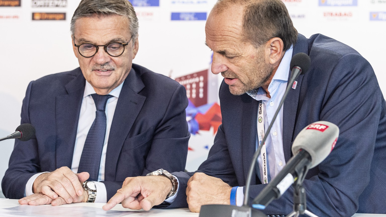 IIHF President Rene Fasel and Gian Gilli, General Secretary IIFH 2020, from left, during the press conference at the IIHF 2019 World Ice Hockey Championships, at the Ondrej Nepela Arena in Bratislava, Slovakia, on Saturday, May 25, 2019. (KEYSTONE/Melanie Duchene)