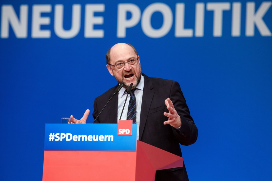 epa06685439 The former leader of the Social Democratic Party (SPD) Martin Schulz speaks during an extraordinary Social Democrats (SPD) party convention in Wiesbaden, Germany, 22 April 2018. The SPD delegates gather in Wiesbaden to vote for their next party leader electing Nahles as the first woman into this party office.  EPA/CLEMENS BILAN