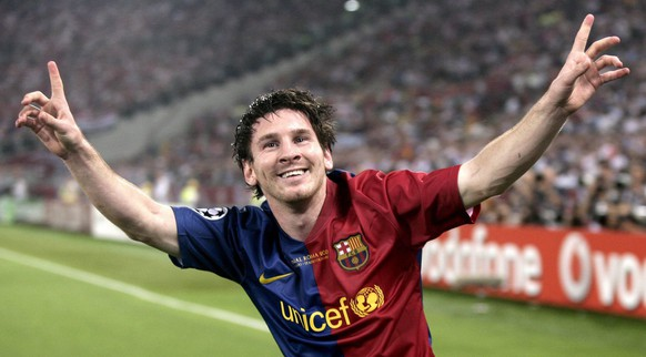 epa02718696 (FILE) A file picture dated 27 May 2009 shows FC Barcelona's Argentinian forward Lionel Messi celebrating after scoring his team's second goal during the UEFA Champions League final 2009 against Manchester United at the Stadio Olimpico in Rome, Italy. FC Barcelona will face Manchester United in the UEFA Champions League final on 28 May 2011 at the Wembley stadium in London, featuring two sides who both triumphed at the old Wembley stadium in what was then the European Cup. After sweeping aside Schalke 04 on 04 May 2011, Manchester United will be at the final of Europe's premier club competition for the fifth time in their history and the third time in four years. Opponents FC Barcelona's triumph over Real Madrid puts them into their seventh final following 1994, 2006 and 2009 in the Champions League and 1961, 1986 and 1992 in the former European Cup. For United, the match in London will be the chance to avenge the 2-0 defeat to Barcelona in the 2009 final in Rome.  EPA/MATTEO BAZZI *** Local Caption *** 00000401972761