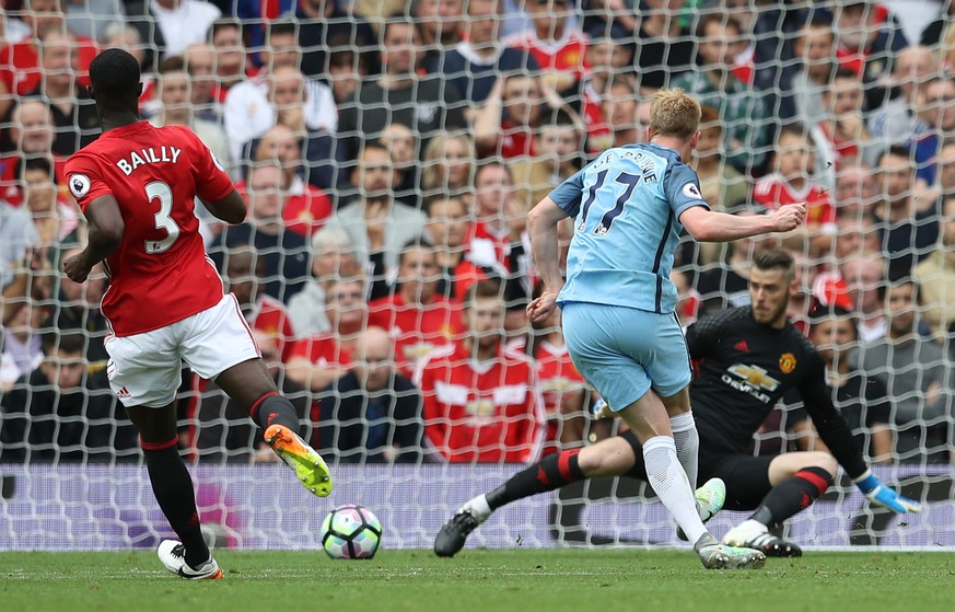 Britain Soccer Football - Manchester United v Manchester City - Premier League - Old Trafford - 10/9/16