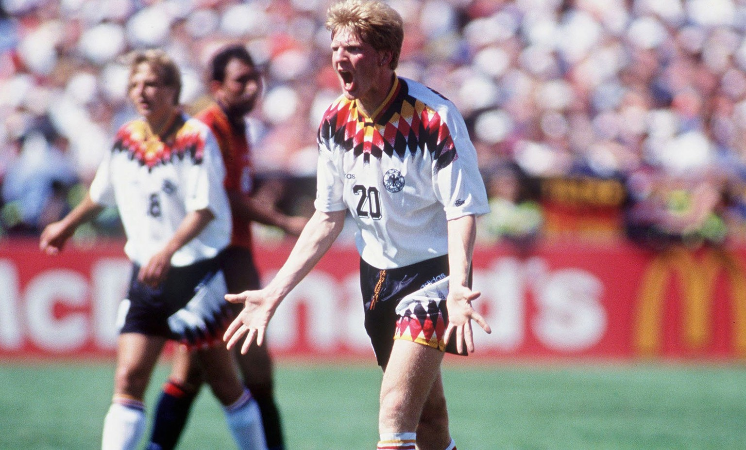 CHICAGO, UNITED STATES - JUNE 21:  WM 1994 USA, Chicago; DEUTSCHLAND - SPANIEN (GER - ESP) 1:1; Stefan EFFENBERG/GER  (Photo by Lutz Bongarts/Bongarts/Getty Images)