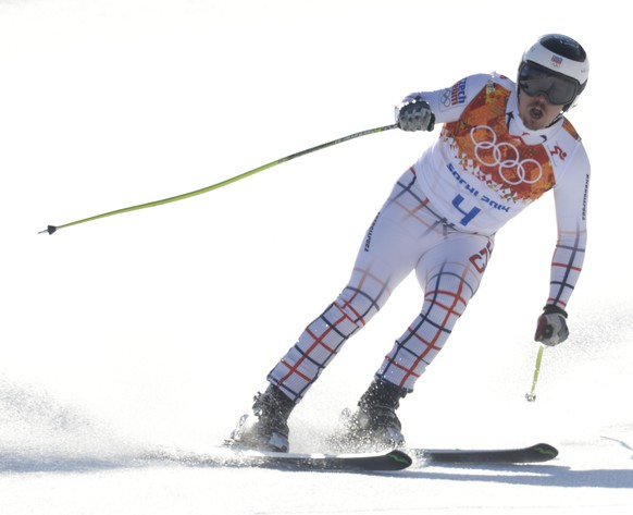 epa04075785 Ondrej Bank of the Czech Republic in action during the downhill portion of the Men's Super Combined race at the Rosa Khutor Alpine Center during the Sochi 2014 Olympic Games, Krasnaya Polyana, Russia, 14 February 2014.  EPA/JOHN G. MABANGLO
