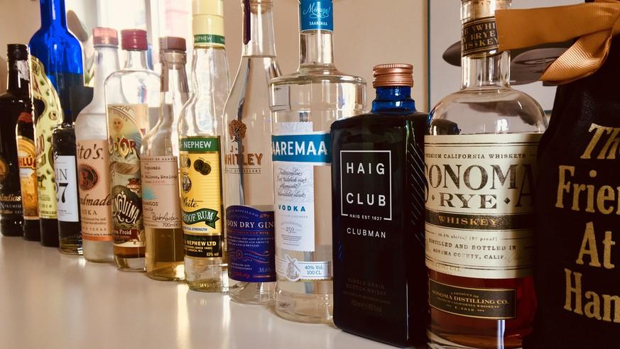 Nun seid IHR dran: Zeig' uns deine Hausbar, und wir sagen dir, welche Cocktails du dir machen kannst