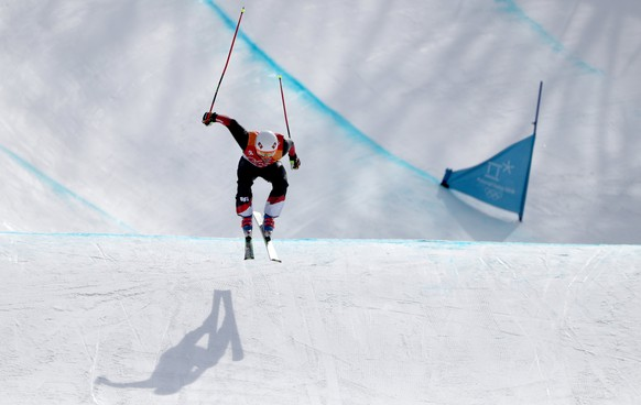 epa06548045 Armin Niederer of Switzerland in action during the men's Freestyle Skiing Ski Cross seeding run at the Bokwang Phoenix Park during the PyeongChang 2018 Olympic Games, South Korea, 21 February 2018.  EPA/FAZRY ISMAIL