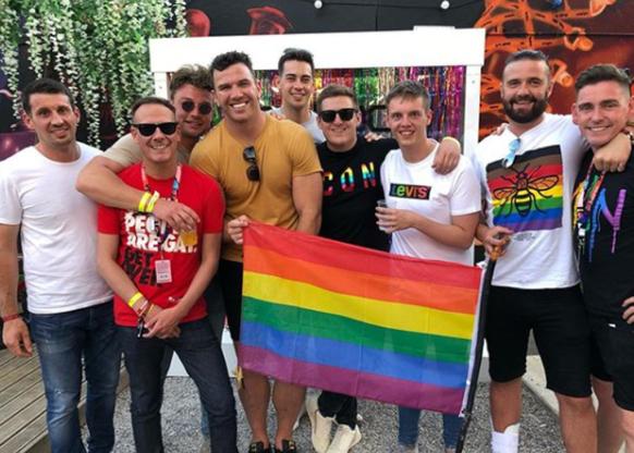 «Papi, bist du immer noch schwul?» Rugby-Profi Keegan Hirst über sein Outing
