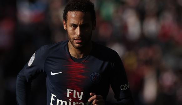epa07547248 Paris Saint Germain's Neymar in action during the French Ligue 1 soccer match between PSG and Nice at the Parc des Princes stadium in Paris, France, 04 May 2019.  EPA/YOAN VALAT