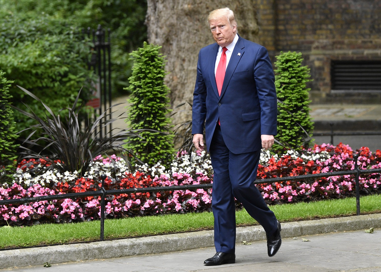 epa07624147 US President Donald J. Trump attends a meeting with Britain's Prime Minister Theresa May at her official residence at 10 Downing Street in London, Britain, 04 June 2019. US President Trump and his wife are on a three-day official visit to Britain.  EPA/NEIL HALL