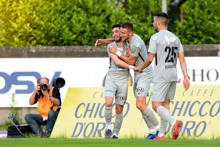 Aarau's player Petar Misic left celebrate the 0 - 1 goal, during the Challenge League soccer match FC Chiasso against FC St. Aarau, at the Riva IV stadium in Chiasso, Thursday May 23, 2019. (KEYSTONE/Ti-Press/Samuel Golay)