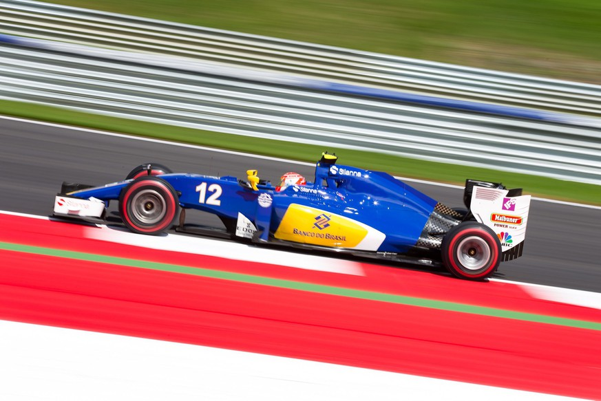 epa05401640 Brazilian Formula One driver Felipe Nasr Sauber F1 Team in action during a practice session at the 2016 Formula One Grand Prix of Austria in Spielberg, Austria, 01 July 2016. The 2016 Formula One Grand Prix of Austria will take place on 03 July 2016.  EPA/EXPA/JOHANN GRODER